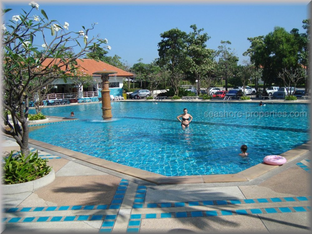 Seashore Properties (Thailand) Co. Ltd. view talay condo 5   to rent in Jomtien Pattaya