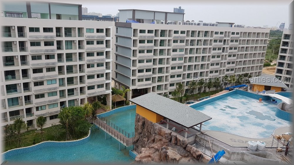 the maldives condominiums  in South Pattaya