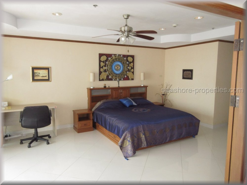pic-2-Seashore Properties (Thailand) Co. Ltd. view talay condo 5   to rent in Jomtien Pattaya