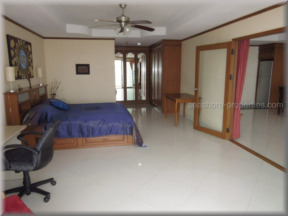 pic-5-Seashore Properties (Thailand) Co. Ltd. view talay condo 5   to rent in Jomtien Pattaya