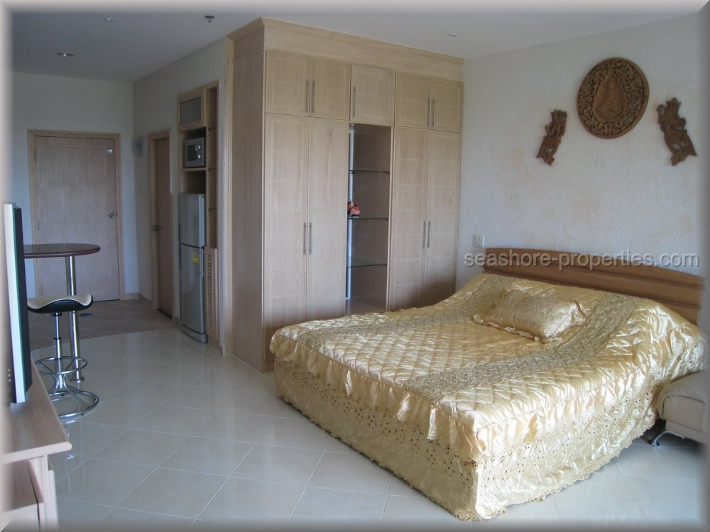 view talay condo 5d    to rent in Jomtien Pattaya