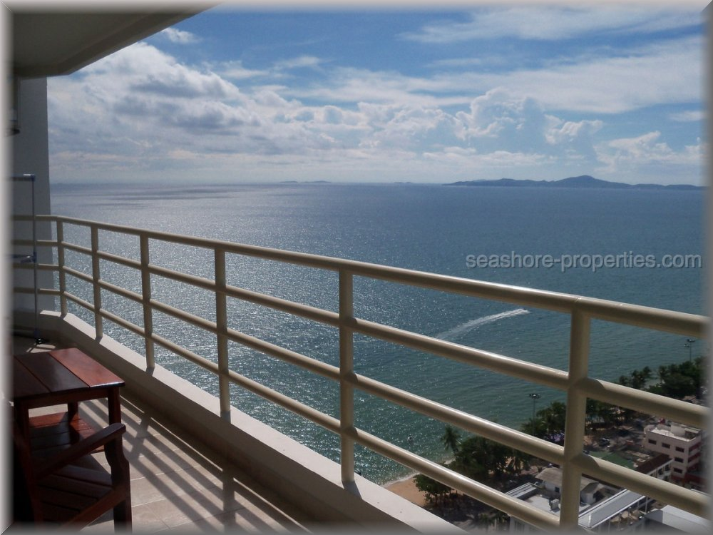 view talay condo 8    to rent in Jomtien Pattaya