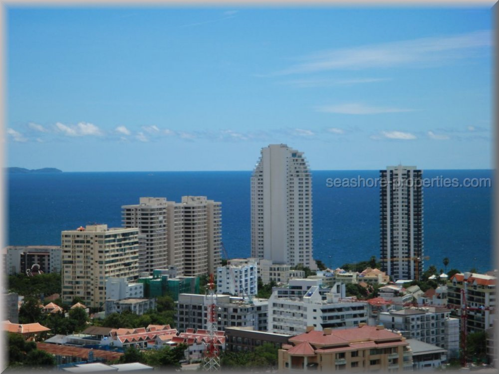 pattaya hill resort Condominiums for sale in Pratumnak Pattaya