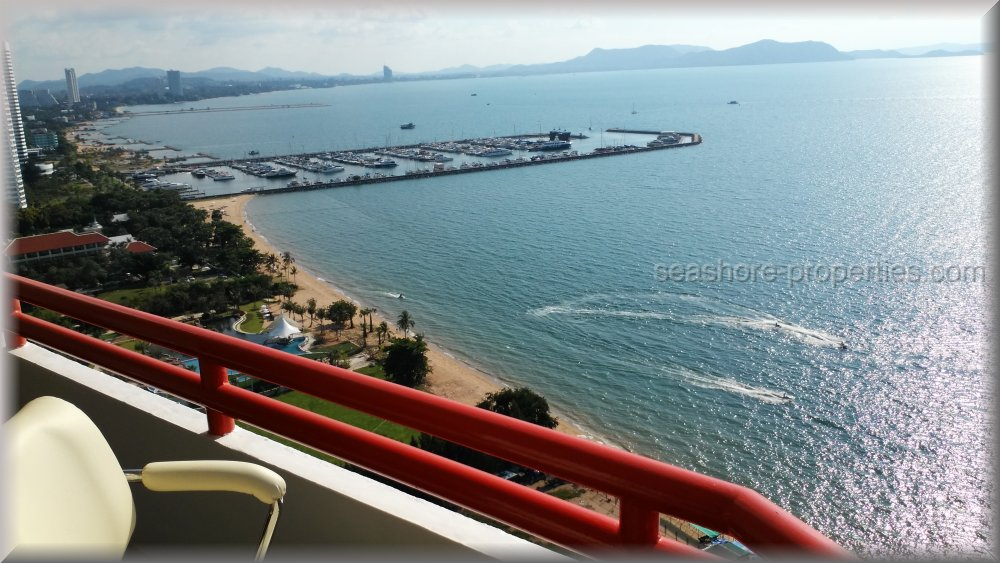 sunshine beach condominium  to rent in Na Jomtien Pattaya