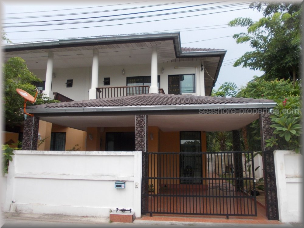 pattaya house house for sale in Wong Amat