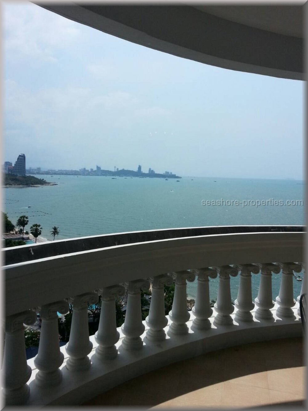 silver beach condo  to rent in Wong Amat Pattaya