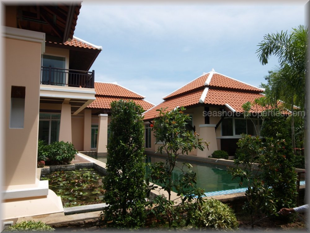 huay yai house     for sale in Na Jomtien Pattaya