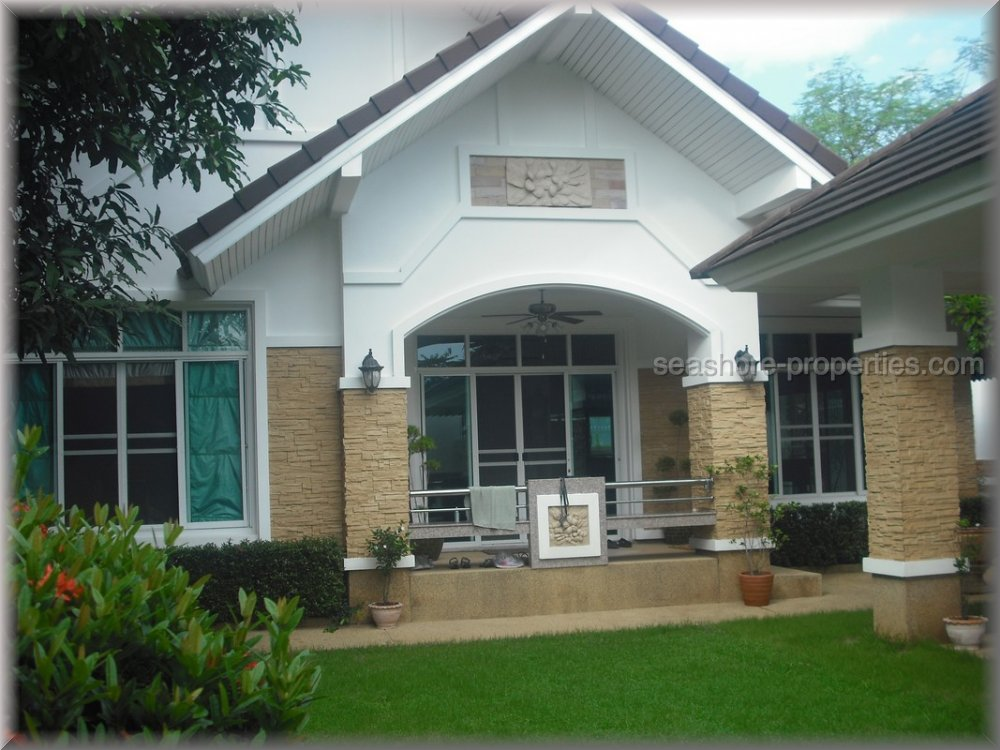 pattaya house huis te koop in Bang Saray