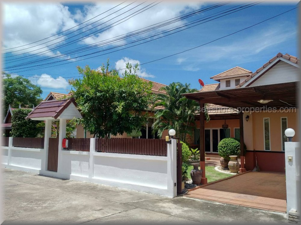 pattaya house huset til leie i Bang Saray