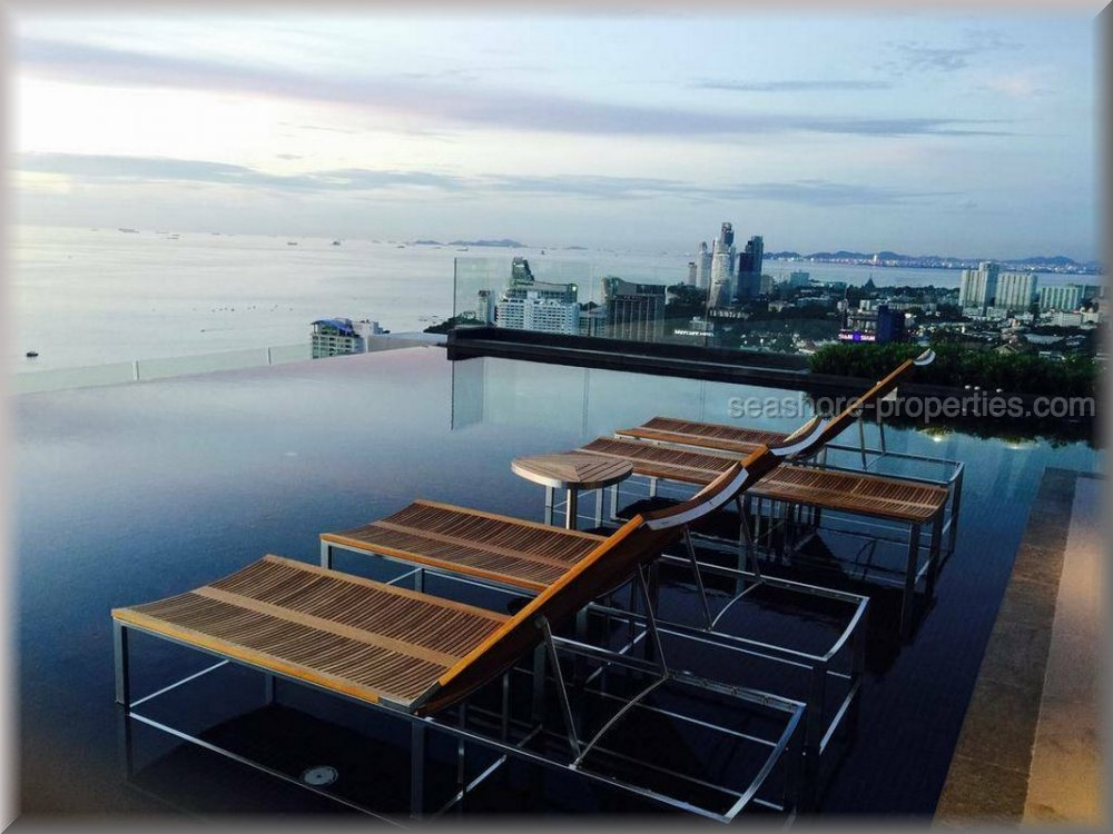 centric sea condo building a  to rent in Central Pattaya Pattaya