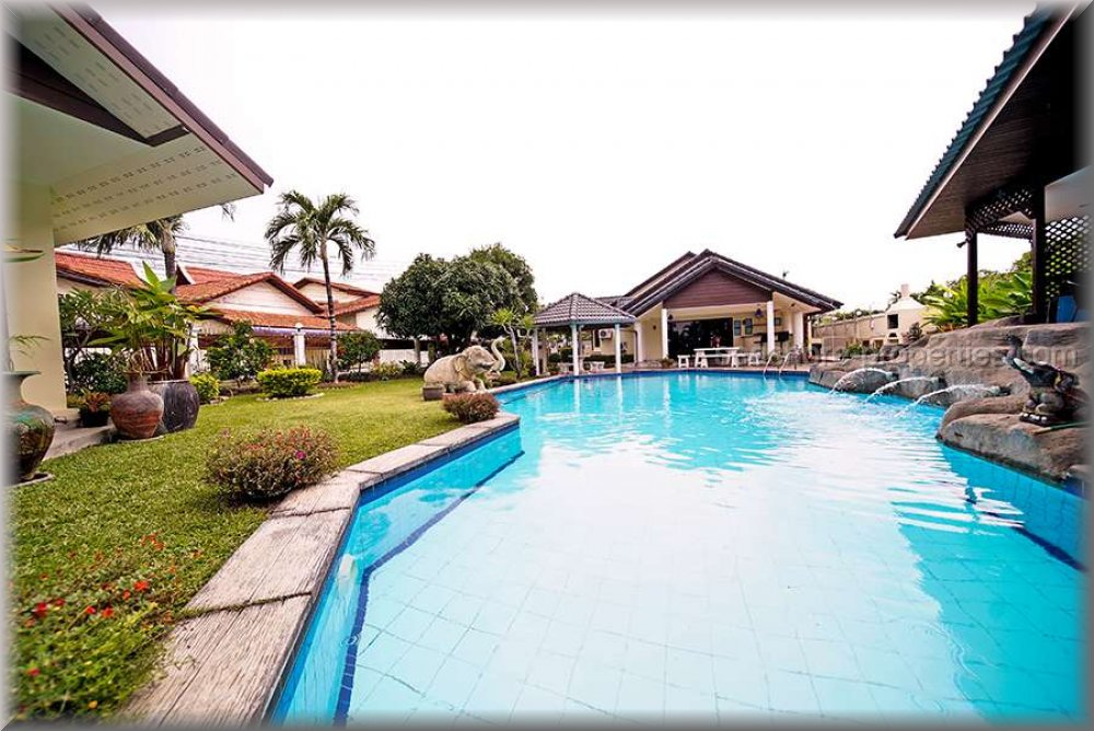 baan laksee pool villa  Condominiums till salu i South Pattaya Pattaya