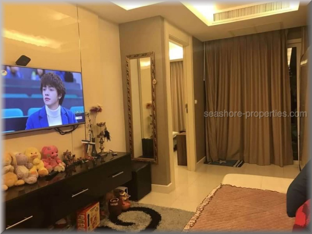 beachfront condo in na jomtien for sale in Na Jomtien Pattaya